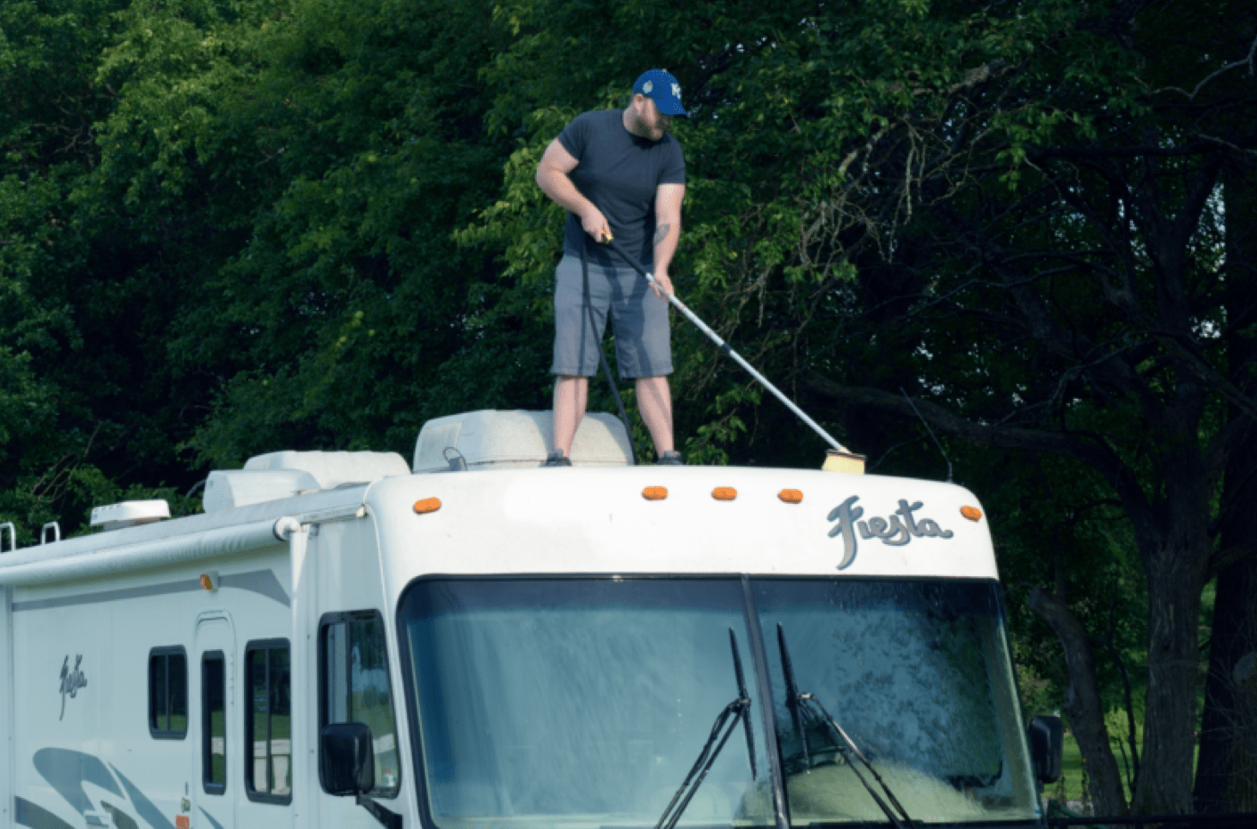 Cleaning a RV rubber roof